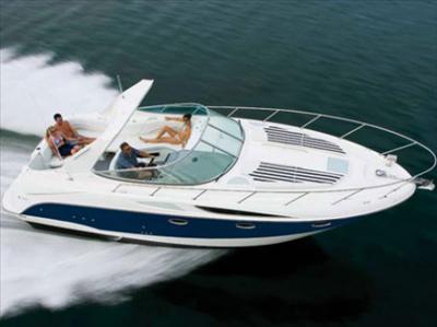 Anche questa barca secondo Maroni non è un lusso